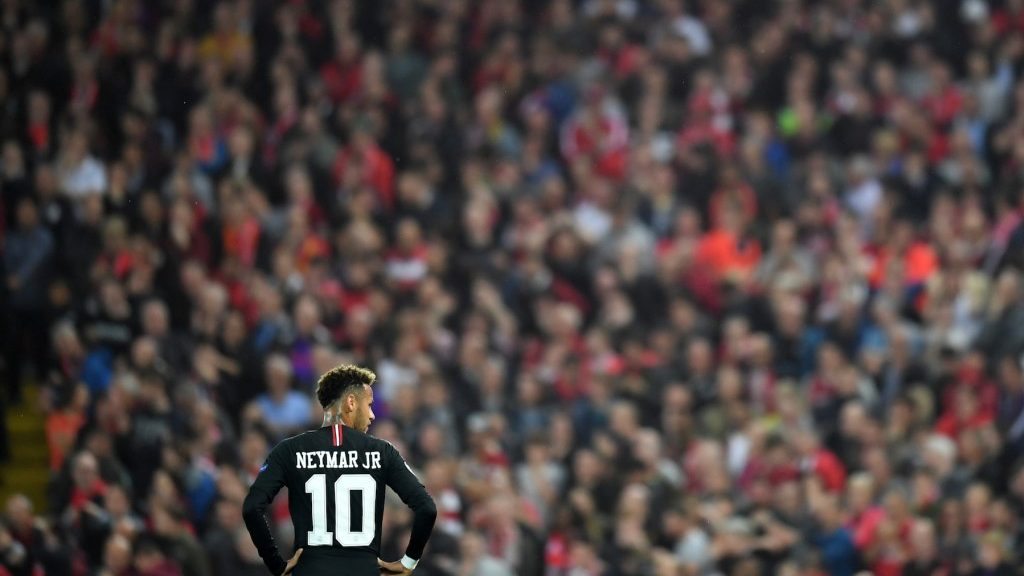 LIVERPOOL, ENGLAND - SEPTEMBER 18:  Neymar of Paris Saint-Germain looks on during the Group C match of the UEFA Champions League between Liverpool and Paris Saint-Germain at Anfield on September 18, 2018 in Liverpool, United Kingdom.  (Photo by Michael Regan/Getty Images)